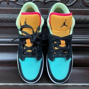 Nike Jordan 1 Low Aurora Green CV9844-013 (GS)